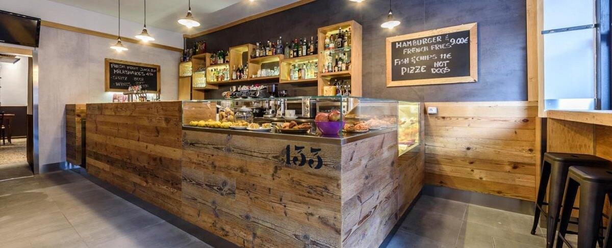Fast bar ecco tutti i nostri prodotti come i banconi per for Arredamenti per bar moderni